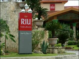 Hotel Riu Playacar: Thomson.co.uk video of the RIU PLAYACAR in PLAYACAR, Mexico