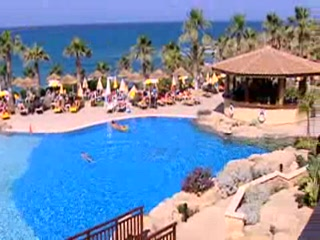 Kissonerga, ไซปรัส: Thomson.co.uk video of the Atlantica Golden Beach in Paphos, Cyprus