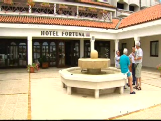 Thomson.co.uk video of the Fortuna in Porec , Croatia - Istrian Riviera