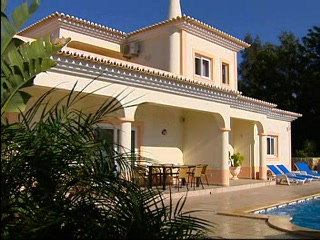 Thomson.co.uk video of the Casa Eunice in Carvoeiro, Algarve