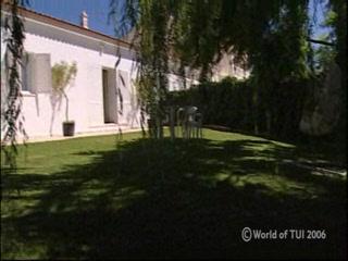 Thomson.co.uk video of the Casa Rogelio in Silves, Algarve