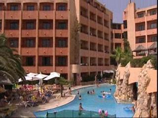 db Seabank Resort + Spa: Thomson.co.uk video of the SEABANK in MELLIEHA BAY, Malta