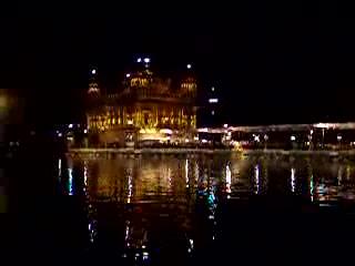 Amritsar, Indien: golden temple at night