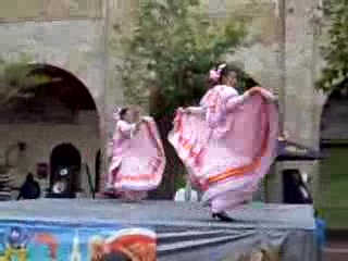 جوادالاخارا, المكسيك: El baile jaliscense