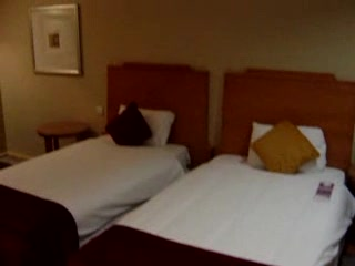 Pullman London St Pancras Hotel: Novotel St Pancras London Room 408 Video
