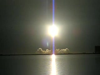 Cabo Cañaveral, FL: Endeavor space shuttle launch (STS-123)