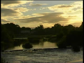 Hrabstwo Limerick, Irlandia: Castleconnell: The Footbridge at Dawn