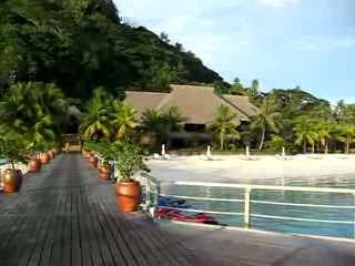 Hilton Bora Bora Nui Resort & Spa : View of Nui from OW Reception Building