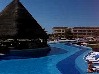 Heaven en Hard Rock Hotel Riviera Maya: In the Middle of the South Pool