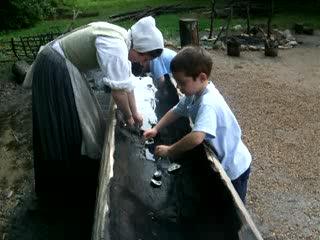 Colonial Williamsburg : .