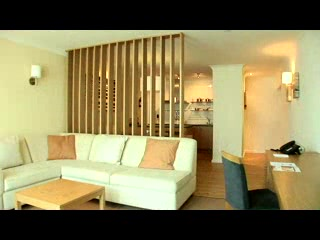 South Cerney, UK: Cotswold Water Park Hotel from travelguru.tv