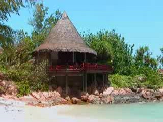 Anse Kerlan, Seychellerna: kuoni.co.uk video presenting Constance Lemuria Resort, Seychelles