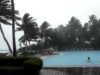 Meeru Island Resort & Spa : I felt the Rains down in