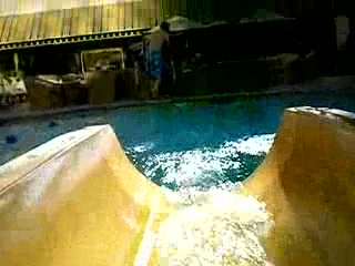 Golden Nugget Hotel & Casino: Waterslide at the Golden Nugget...a full tour inside the shark tube!