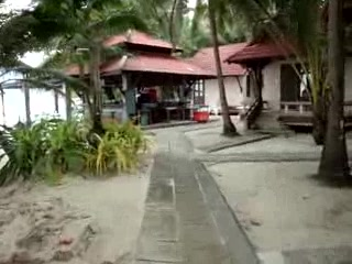 First Bungalow Beach Resort: Walking from Lobby to Bungalow