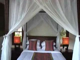 Denpasar, Indonesië: カルマカンダラの動画