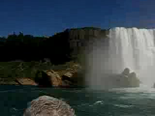 Cascate del Niagara, NY: Niagara Falls from the Maid of the Mist!!!