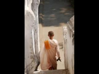 ميانمار: La terra dei sorrisi e delle mille pagode dorate