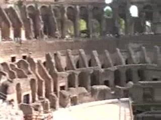 Roma, İtalya: Inner Colosseum