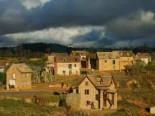 Madagascar: un viaggio attraverso i paesaggi, i volti, la natura