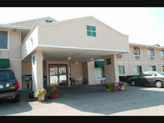 Super 8 Rochester / South Broadway: Super 8 Motel, Rochester MN near Mayo Clinic & St. Mary's Hospital