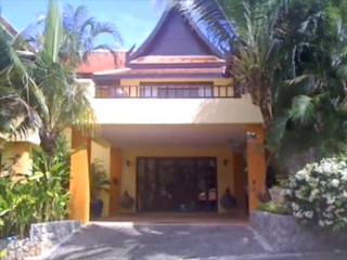 Karuna Meditation Center: View around the yoga sala