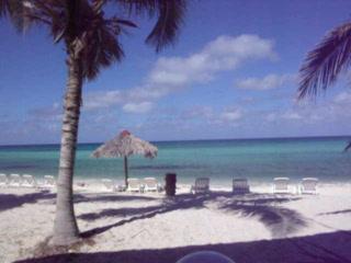 Beach at Covarrubias - ラス・...