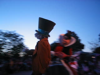 Disneyland Park: Queen of hearts was not too keen of me