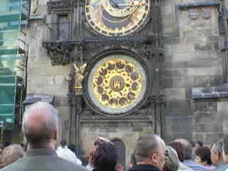 Astronomical Clock - hourly 12 apostles showing