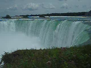 Chutes du Niagara, Canada : im Wasserfall