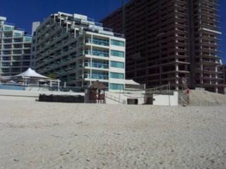 Hard Rock Hotel Cancun: Cancun Palace: Beach and Hotel View