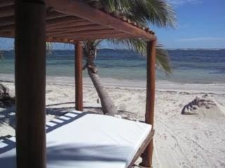Kabah na: Hotel Resort Mahahual (Majahual), Costa Maya Mexico.
