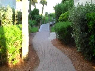 South Seas Island Resort : South Seas Captiva: The Walk from the Beach Villas to the Beach