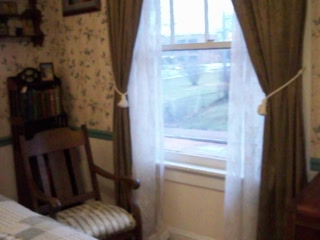 A Sentimental Journey Bed and Breakfast: String of Pearls room