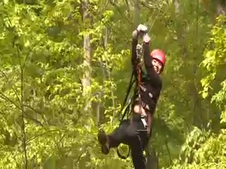 Charlemont, แมสซาชูเซตส์: Zip Line Canopy Tours in the Berkshires