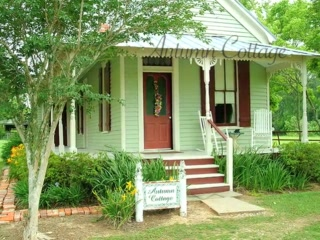 Welcome to Maison D'Memoire Bed & Breakfast Cottages!