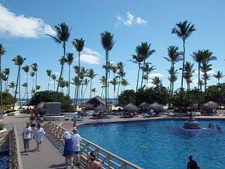 Sirenis Punta Cana Resort Casino & Aquagames: Sirenis Tropical & Cocotal Pools