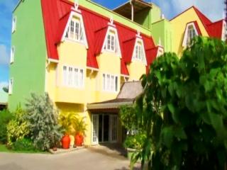 Coco Palm Resort: Discover Coco Palm in St Lucia, W.I.