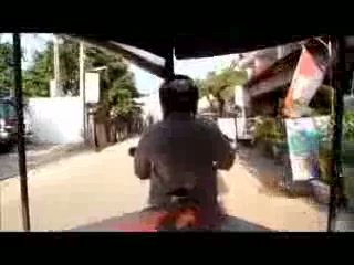 Siem Reap Holiday Garden Villa: Tuk Tuk Ride to Pub Street from the Villa.