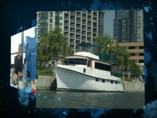 Making Waves Boatel: Floating Toronto Bed & Breakfast