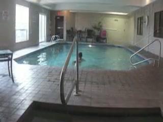 Comfort Suites Redmond Airport : Comfort Suites swimming pool
