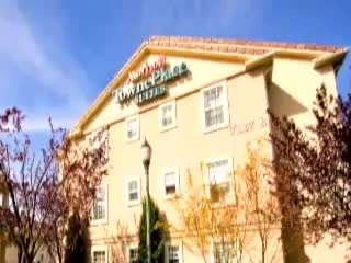 Welcome to the TownePlace Suites Fresno