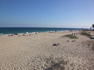 Oceans Beach Resort & Suites: LIFEGUARDS & PIER