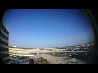 Holiday Inn Palm Beach-Airport Conference Center: Clear sky and traffic in the distance from 9th floor east view.