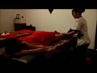 Antanue Spa: カンボジア伝統ハーバルマッサージ