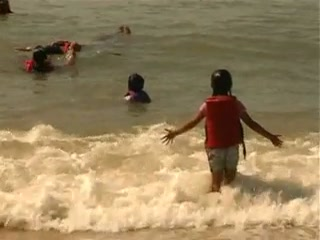 Sai Vishram Beach Resort: Swimming