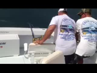 Sportfishing Miami Therapy 4: Landing our 79
