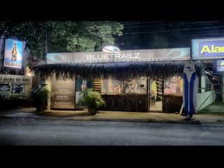 Blue Trailz Hostel & Surf Camp: Blue Trailz Sunset drinks