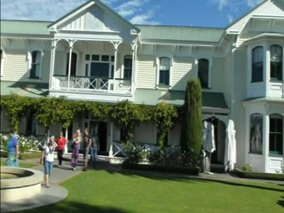 Vines and Views Tours : Wine tours in Napier Hawke's Bay