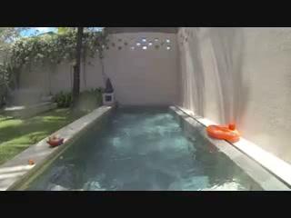 Uma Sapna: Villa pool